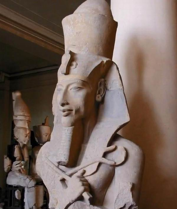 explain why akhenaten moved his capital You should be able to explain why akhenaten moved the capital from thebes, which was the capital city of egypt's new kingdom, to amarna, which he named akhetaten (meaning the horizon of the aten.
