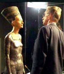 Осовремененная и худая Нефертити-3