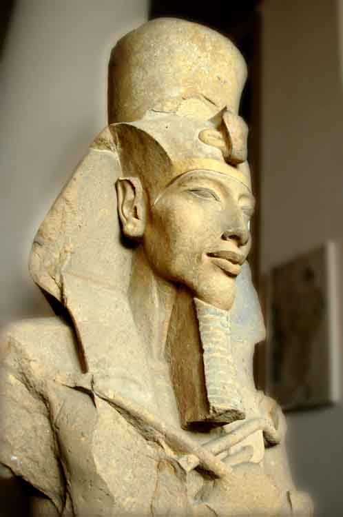 Колосс Аменхотепа IV
