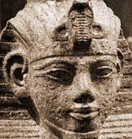 Amenhotep III (a) — мальчик лет 7