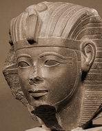 Аменхотеп II (мальчик лет 10)