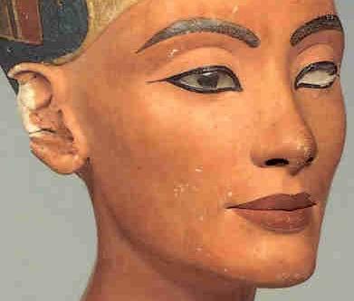 Бюст Нефертити-3 не имеет следов контакта с грунтом